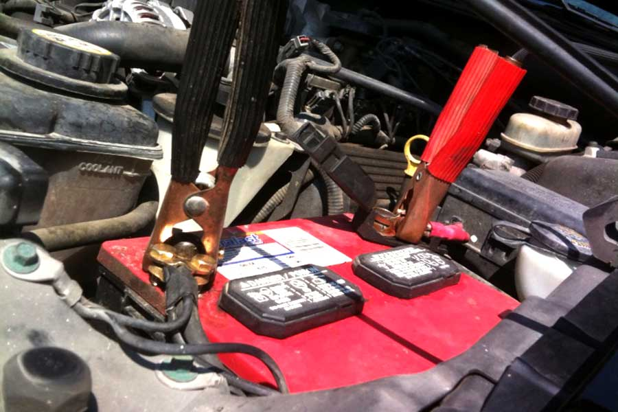 How to Jump Start a Car Battery Safely Using Jumper Cables